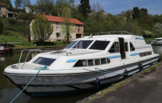Hausboot Nautilia in Fonteny le Chateau im Franche Comte