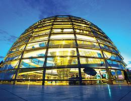 Reichstag Berlin - mit dem Hausboot erreichbar