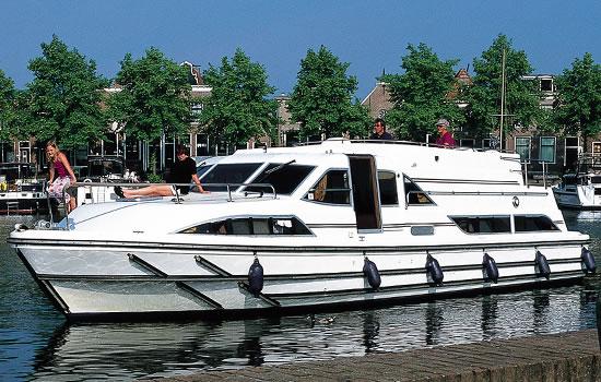 Hausboot holland bootstouren ab vinkeveen und hindeloopen for Klassisches hausboot