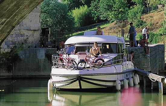 Hausboot Nicols 1000