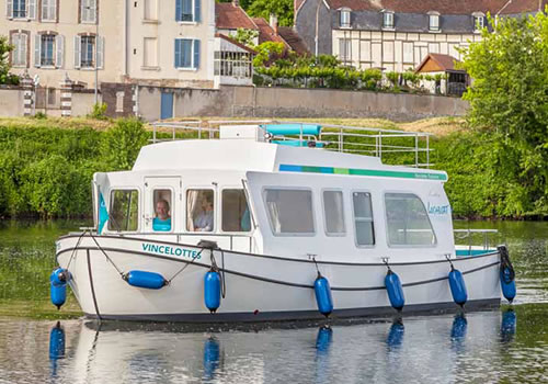 Penichette Evolution - Hausboot bei Locaboat
