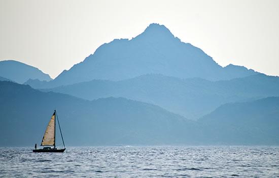 Segeln vor Korsika - wildromantischer Segeltörn