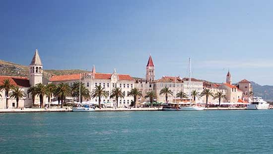 Kroatien - Trogir Charterbasis für Motorboote und Segelyachten